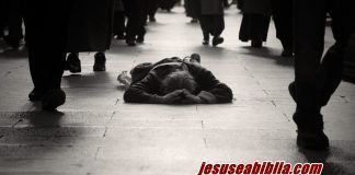 A Mulher do Fluxo de Sangue e Sua Fé - Jesus e a Bíblia